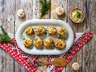 Рецепта Печени пълнени гъби с три вида сирене (гауда, моцарела, пармезан), галета и спанак на фурна